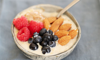 Become a morning person: make overnight oats