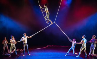 Girls on top: Circus and Visual Art With Ela Bartilomo